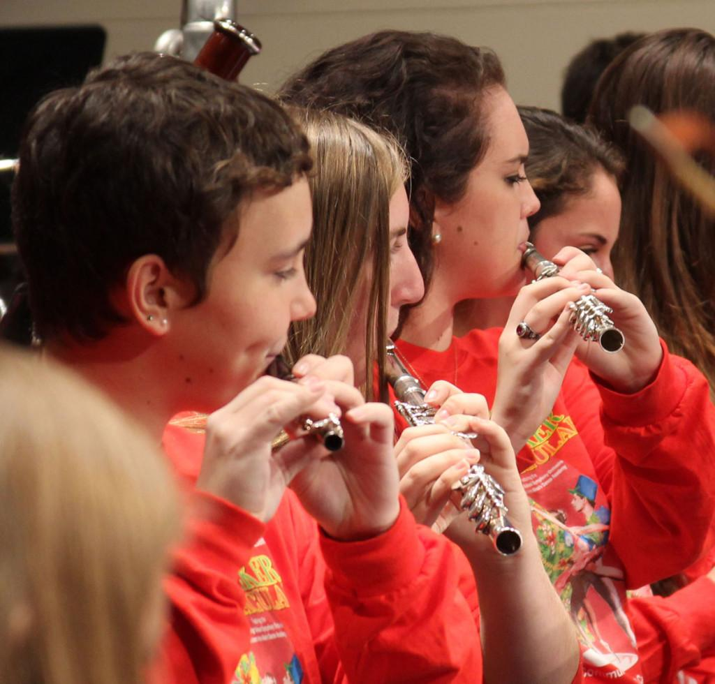 Seniors Paige Mckenzie, Rachel Stephenson and Lee Ashlee Fletcher play during the Nutcracker Spectacular TEC rehearsal.