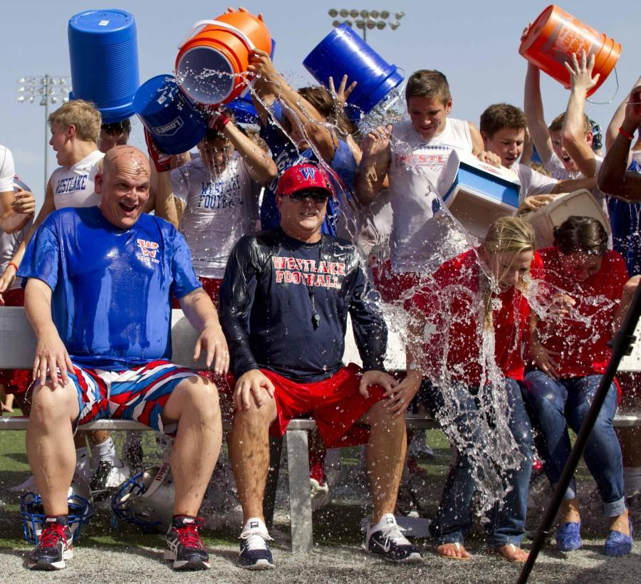 New+superintendent+nominates+cheer%2C+Hyline+and+varsity+football+teams+for+ALS+challenge