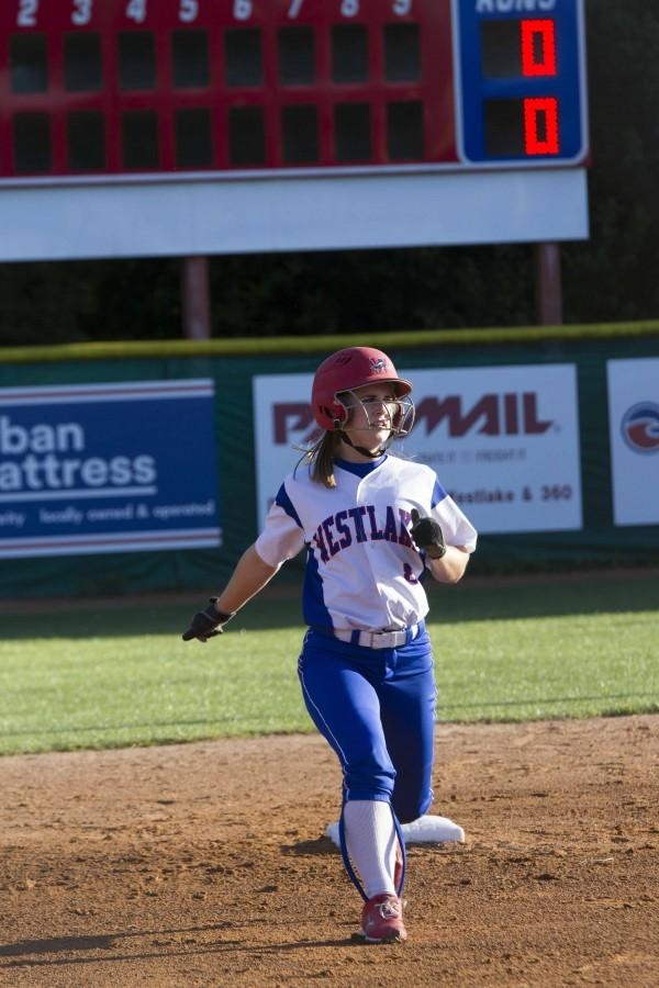 Softball+brings+home+Bi-District+Champs+title
