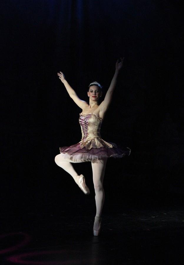The+sugar+plum+fairy+performs+in+the+Nutcracker+Spectacular.