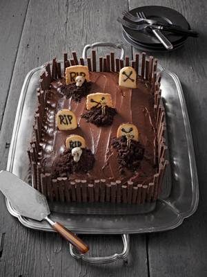 grave-intentions-cake-photo-u1